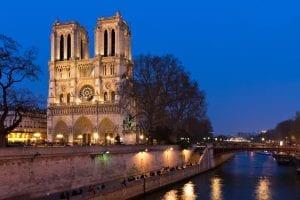 13680064_paris-notre-dame-r