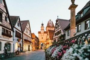 Rothenburg roman-kraft-106708-unsplash-mi_rs