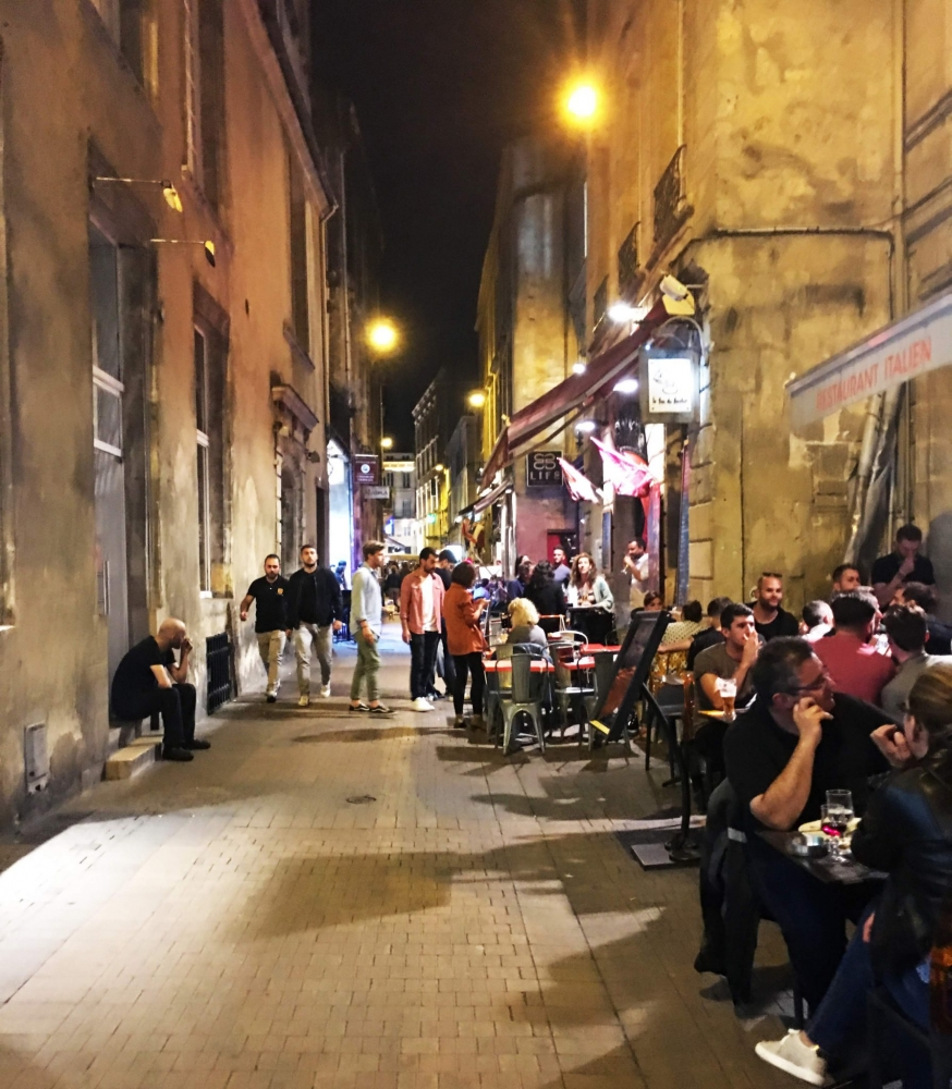 Bordeaux has many pedestrian streets full of wonderful restaurants and cafes
