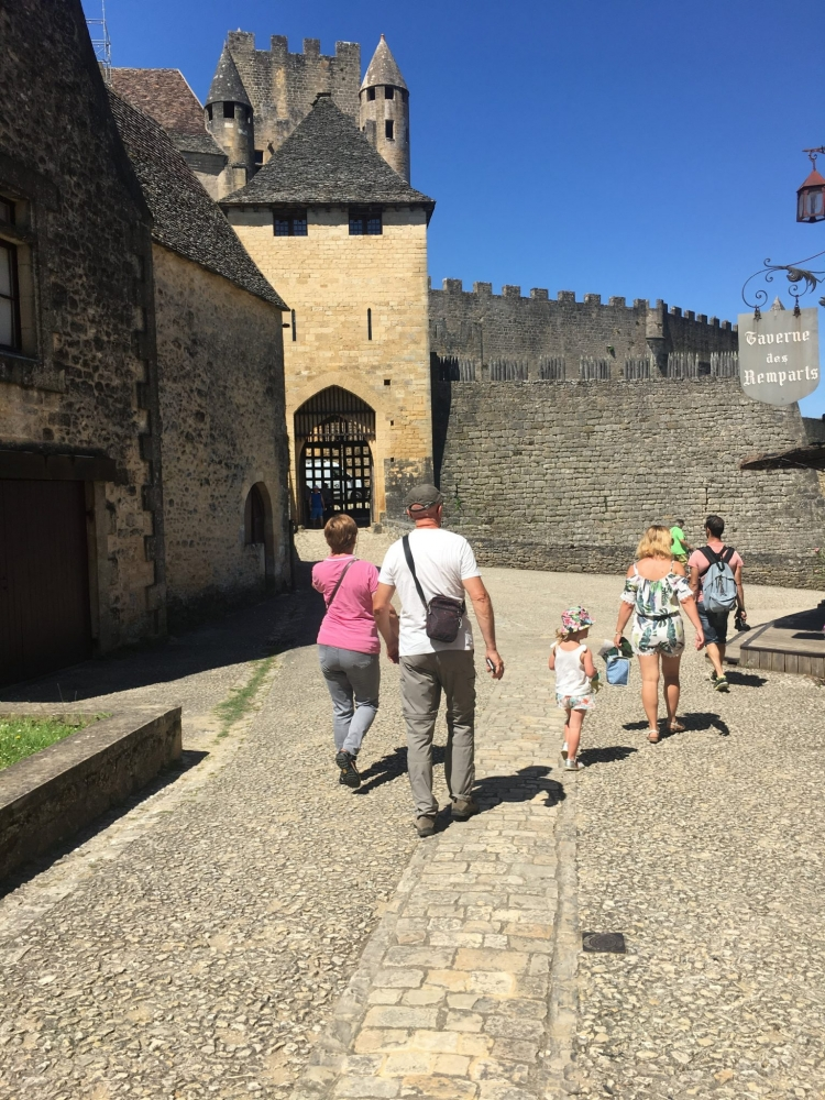 Visiting the 12th century Chateau de Beynac