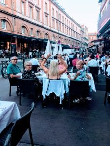 Farewell dinner in the street: Toulouse
