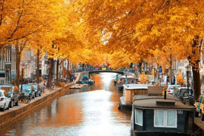 Does Autumn Bring Out the Best in Europe?